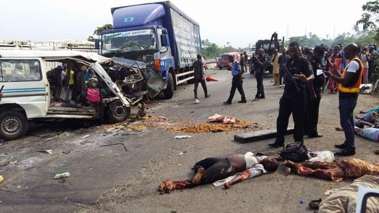 Two die, 10 injured on Lagos-Ibadan Expressway accident