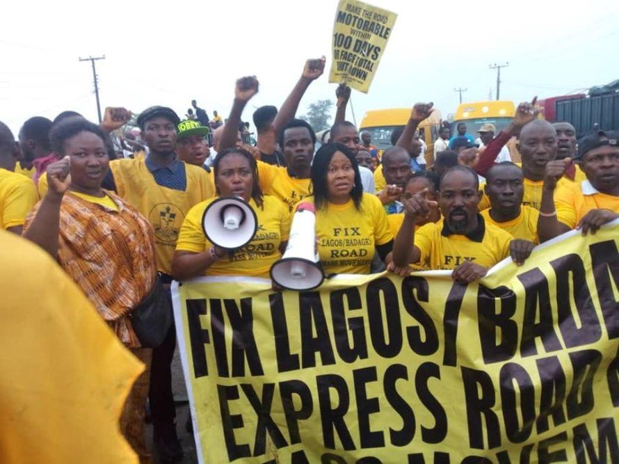 Lagos protest bad Badagry expressway.jpg