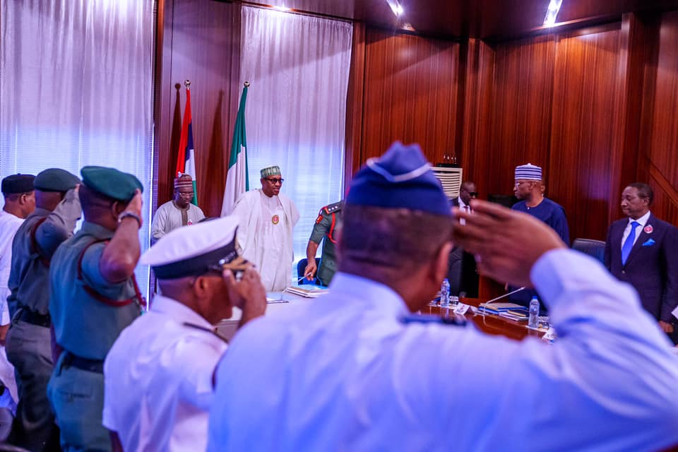 Buhari meets with security chiefs on a peaceful society in 2020