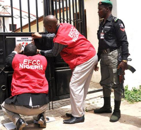 EFCC Recovers N3.6Billion, 10 Houses From Suspected Looters in Ilorin